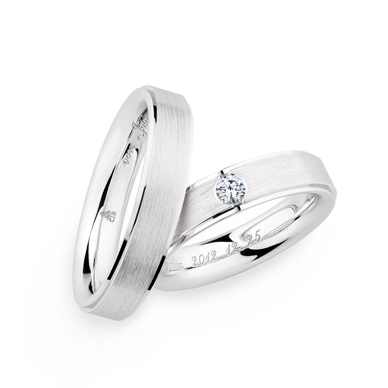 新潟で人気の結婚指輪(マリッジリング)と婚約指輪(ダイヤモンドエンゲージリング)鍛造 | CHRISTIAN BAUER(クリスチャンバウアー)の結婚指輪(マリッジリング)はお互いの分身