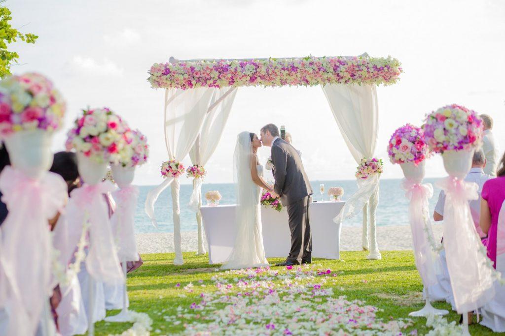 新潟で人気の結婚指輪(マリッジリング)と婚約指輪(ダイヤモンドエンゲージリング)鍛造 | 春は大注目!新潟で人気のFURRER-JACOT(フラージャコー)結婚指輪(マリッジリング)