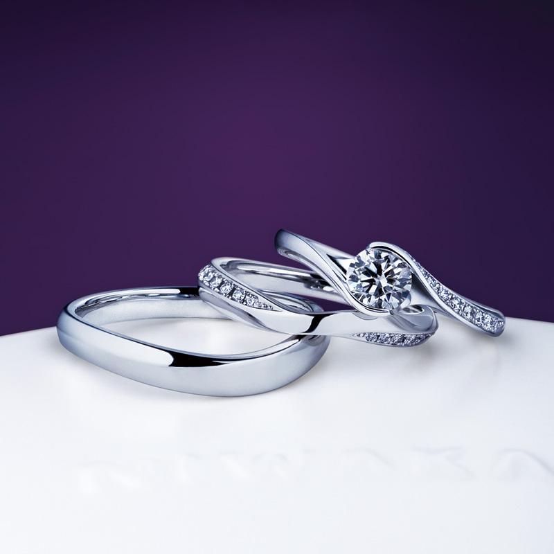 新潟で人気の結婚指輪と婚約指輪 にわか(ニワカ) | 朝日を浴びて茜色の照り映える雲をデザインした、新潟で人気の結婚指輪(マリッジリング)
