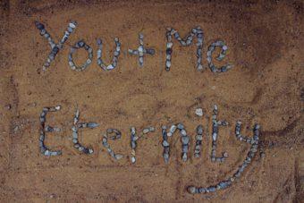 新潟で人気の結婚指輪(マリッジリング)と婚約指輪(ダイヤモンドエンゲージリング)俄(にわか)   人気のダイヤモンドのエタニティリングを新潟で見つける