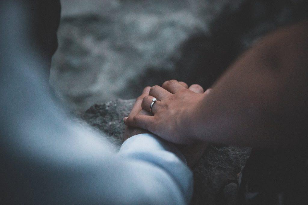 新潟で人気の結婚指輪(マリッジリング)と婚約指輪(ダイヤモンドエンゲージリング)俄(にわか) | 新潟の和婚にぴったりな王道の婚約指輪(ダイヤモンドエンゲージリング)