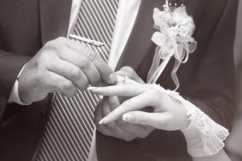 新潟で人気の結婚指輪(マリッジリング)と婚約指輪(ダイヤモンドエンゲージリング)鍛造   シンプルの全ての条件が揃うCHRISTIAN BAUER(クリスチャンバウアー)