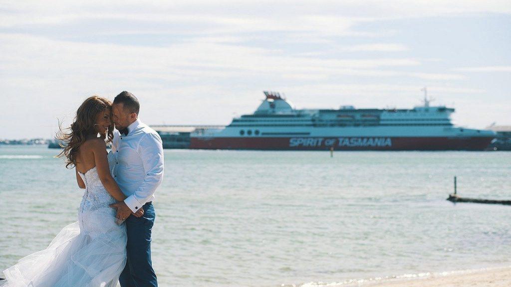 新潟で人気の結婚指輪と婚約指輪 にわか(ニワカ) | 新潟の大人花嫁が一目ぼれする上質な一本!にわか(ニワカ)のセットリング