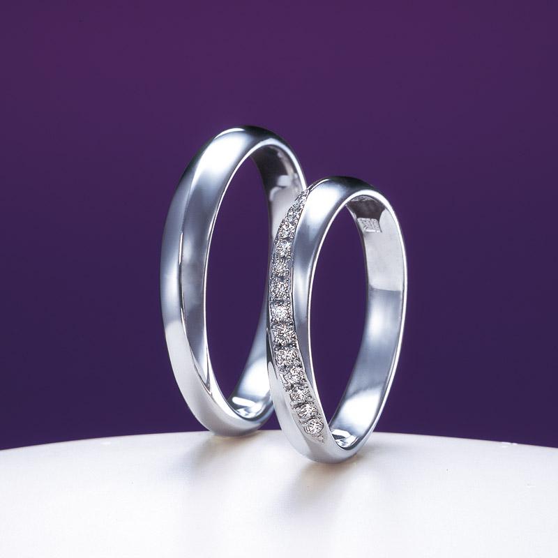 新潟で人気の結婚指輪(マリッジリング)と婚約指輪(ダイヤモンドエンゲージリング)俄(にわか) | 経糸と緯糸が美しき、お二人の仲を表すマッリジリング