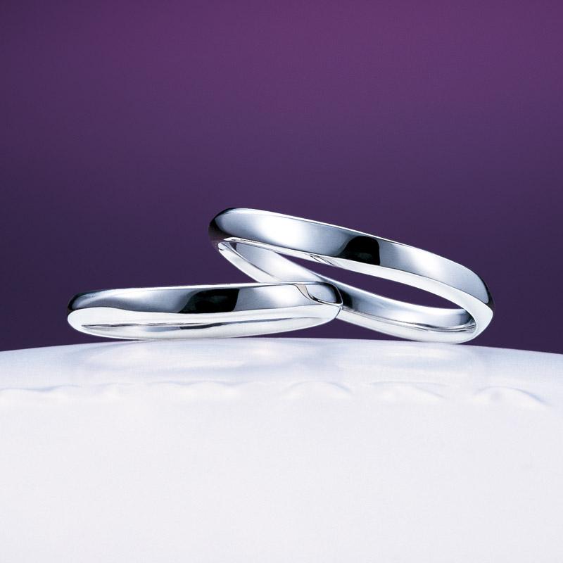 新潟で人気の結婚指輪と婚約指輪 にわか(ニワカ)   穏やかな海をふたりの力を合わせて漕ぎ出す、笹舟の結婚指輪